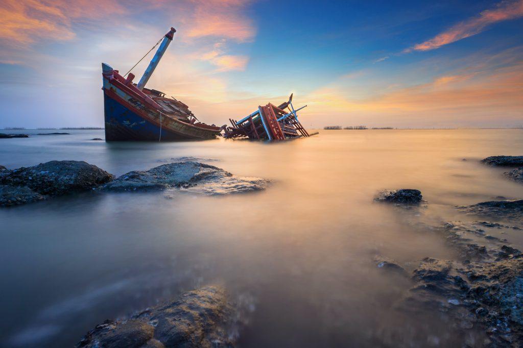 anton-foord-ocean-independance-yacht-broker crook sergio puddu crook truffatore yacht italy broker gibbian and shark broker crook thief truffatore